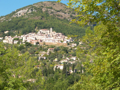 <i>Village Le Bar sur Loup</i>