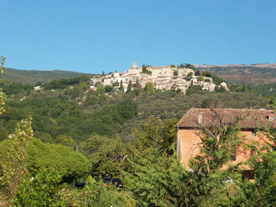 <i>Village Châteauneuf de Grasse</i>